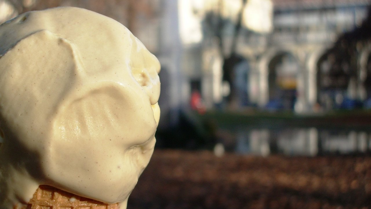 What Are The Advantages And Disadvantages Of Eating Ice Cream?